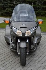 Honda Gold Wing GL1800 TRIKE Srebrny (2005)