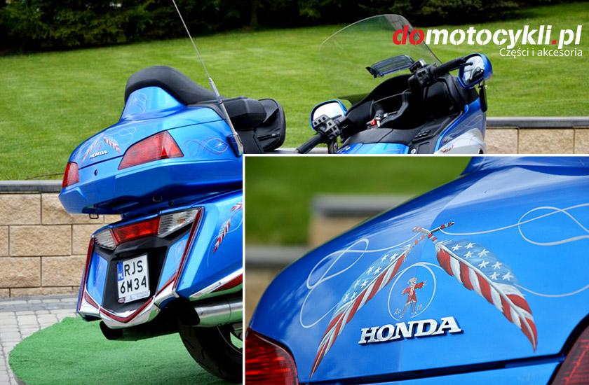 Honda Gold Wing niebieska
